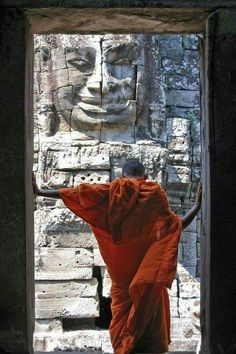 Custom Cambodia tours with Kensington Tours. Enjoy a private guide while you travel to Cambodia. Book luxury Cambodia trips to see Phnom Penh, Siem Reap & Angko Buddha, Zen, Tibet, People Of The World, In This World, Dalai Lama, Nepal, Meditation, Colors