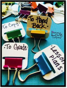 DIY: Binder Clip Tabs Save money with this classroom DIY tip: Make your own binder clips! An easy and cheap way to stay organized!Save money with this classroom DIY tip: Make your own binder clips! An easy and cheap way to stay organized! Classroom Hacks, High School Classroom, Classroom Organisation, Classroom Supplies, Teacher Organization, Teacher Tools, Teacher Hacks, Future Classroom, Best Teacher