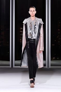 Pedro Lourenço Fall 2014 Ready-to-Wear Fashion Show