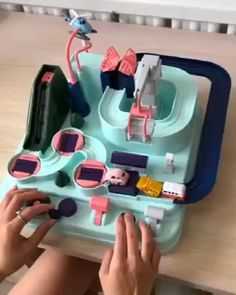 Manipulative Rescue Squad Adventure Toy – Best Baby And Baby Toys Diy And Crafts, Crafts For Kids, Paper Crafts, Craft Kids, Tree Crafts, Paper Toys, Inventions Sympas, Satisfying Video, Cool Inventions