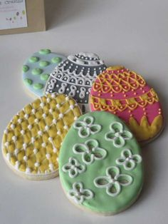 These Easter Egg Sugar Cookies are Almost Too Beautiful to Eat #food trendhunter.com