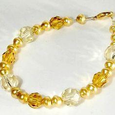 Bracelet-Handmade-Freshwater-Pearl-golden-faux-vtg-crystals-by-Pat2-sz-7