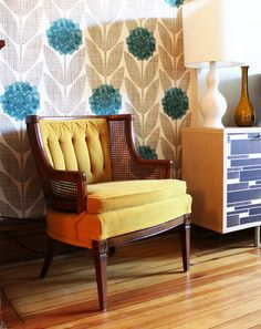 Not usually a fan of wallpaper but I love this pattern (from Steve & Stacey's house tour)