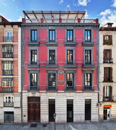 Un año más, y van ya 51 ediciones, Casa Decor te abre sus puertas para mostrarte qué se cuece en el mundo del diseño, el interiorismo y la decoración. Desde el 19 de mayo y hasta el 26 de junio la espectacular Casa Palacio Atocha 34, ubicada en el corazón de Madrid, acogerá el que se ha convertido en
