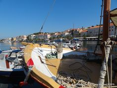 If you are a gastronomy enthusiast and want to savor the island specialties, visit one of many restaurants and taverns in Mali Losinj.