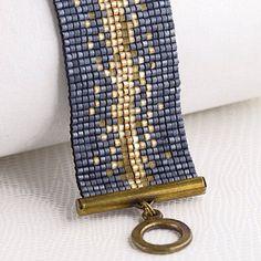 Bracelet Manchette Made in France sur www. Bead Loom Bracelets, Beaded Bracelet Patterns, Bead Loom Patterns, Jewelry Patterns, Pandora Bracelets, Bead Jewellery, Seed Bead Jewelry, Beaded Jewelry, Handmade Jewelry