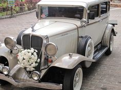 Vintage Wedding Car #dreamwedding #ruchebride