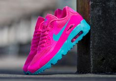 The latest Nike Air Max 90 Breeze takes the kids to the county fair with a Pink Blast/Gamma Blue colorway that will immediately bring thoughts of cotton candy perfect for the current season. Nike's grade school offerings took a bit … Continue reading →