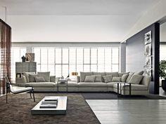 Très grand canapé d'angle en tissu gris clair