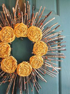 One of the prettiest items for fall decor is a fall wreath! Here are 25 festive DIY fall wreaths that you create yourself for a fraction of the cost! Stick Wreath, Twig Wreath, Diy Fall Wreath, Fall Wreaths, Wreath Ideas, Door Wreaths, Fall Diy, Summer Wreath, Halloween Wreaths