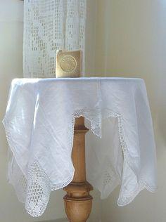 Vintage Linen Tablecloth // Crochet Inset