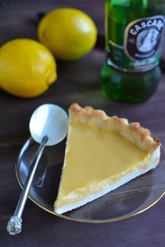 Paleo Lemon Curd Pie | notenoughcinnamon.com @NECinnamon #recipe #dessert #paleo