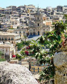 #italiainunoscatto #volgosicilia #thehub_italia #great_captures_italia #siculamenteofficial #italia_dev #vip_world_photo #ig_italia #kings_sicilia  #ig_visitsicily #instaitalia #italianlandscapes #don_in_italy #italian_places #tv_living #panorami_meridionali #loves_madeinitaly #visititalia #flipitaly #yallersitalia #prettylittleitaly #italiatricolore #sicilia_nel_cuore #likes_italia #kings_alltags #italy_photolovers #pocket_italy #kings_villages #viverela sicilia