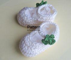 Ravelry: Crochet Baby Bootie Lucky Shamrock pattern by BellaMia Crochet