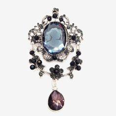 Broche camé, en cristal noir http://www.laoula-bijoux.com/broche-fantaisie.htm