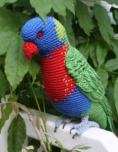 Please note: This listing is for a CROCHET PATTERN to make the pictured rainbow lorikeet and NOT FOR A FINISHED ITEM The rainbow lorikeet (Trichoglossus moluccanus) is a species of parrot found in Australia. It is common along the eastern seaboard, from northern Queensland to South Australia and Tasmania. This pattern is written in English and uses US crochet terms. Also the German version is available for download. This listing is for an extensive PDF file which contains full instructions…