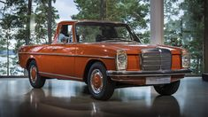 The future owners must know that the X-branded truck is not the first chapter of the book of the Mercedes-Benz pick-up trucks. Mercedes W114, Mercedes Benz Dealer, Mercedes Benz Autos, Mercedes Benz Cars, Audi, Porsche, Bmw, Pick Up, Old Pickup