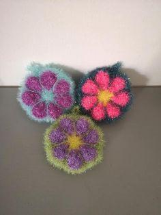 Crochet Amigurumi, Diy Crochet, Creative Bubble, Crochet Earrings, Bubbles, Etsy, Dishes, Handmade Gifts, Unique Jewelry