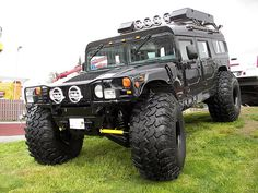 Hummer H1 Not a big fan of these but this one looks like it would be fun