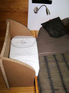 Cuna de colecho en cartón
