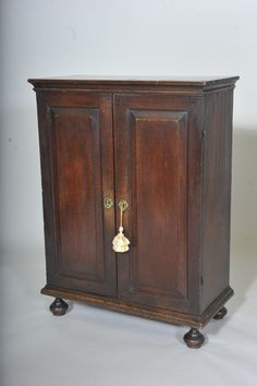 Antique Oak Cupboard - circa 1680