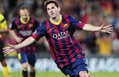 Barcelona's Argentinian forward Lionel Messi celebrates after scoring during the UEFA Champions league football match FC Barcelona vs Ajax Amsterdam at Camp Nou stadium in Barcelona on September 2013 Messi Et Ronaldo, Lionel Messi, Cristiano Ronaldo Junior, Cristiano Ronaldo 7, Football Match, Football Shirts, Real Madrid, Memphis Depay, Champions League Football