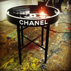 B/W Chanel tray table