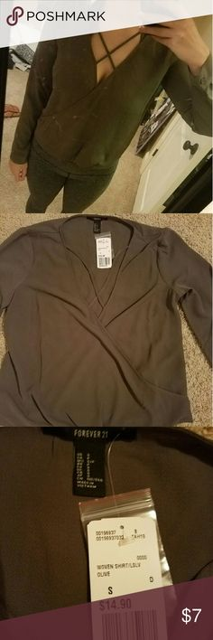 Olive green top Olive green long sleeve criss cross twist top Forever 21 Tops Blouses