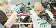 Todo un misterio los compañeros de guanteo de Miguel Cotto El púgil boricua presenta golpes en el rostro que evidencian la intensidad de su entrenamiento para su combate ante Canelo Álvarez