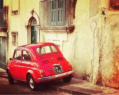 #Goodmorning with good #cars!  #Buongiorno con un po' di  #auto Repost from @fiat500cinquecento #500 #fiat #fiat500 #cinquecento #cinquino #italy #italia #car #cars #beautycars #instacar #instacinquecento #insta500 #fiat500cinquecento #igers #igers500 #igerscar #retroautos #retrocars #500love #love500 #thehappycar #500happypeople @Regrann from @deucenivy