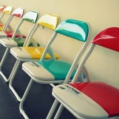 ptisomenes-karekles chairs with bright color