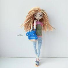 Смотрите смотрите! У нее нос)  #amigurumi #weamiguru #mysolutionsforlife #handmade #handcraft #crochet #crochetdoll #instacrochet #artdoll #craft #crochettoy #crochetart #doll #cute #kawaii #amigurumidoll#амигуруми #куклакрючком #кукларучнойработы #рукоделие #ручнаяработа #вяжутнетолькобабушки #giftidea #подарок #artdoll #интерьернаякукла #портретнаякукла #авторскаякукла #svetatoridolls