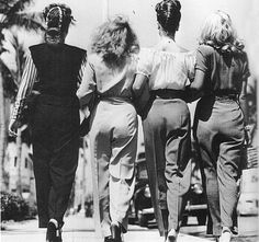 Girls day out, 1940s Has no relevance to our reunion but it made me think of us and smile :-)