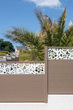 #Clôture #design en #aluminium contemporain Lizen avec décor Brodiri #Fresk by Pascal Jaouen. #broderie #bretagne #entrée #portail#alu #aluminium #deco #garden#outdoor #jardinextraordinaire #kostum#kostumbycadiou