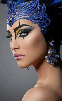 Makeup Art, Beauty Makeup, Eye Makeup, Halloween Make Up, Halloween Face Makeup, Egyptian Makeup, Space Opera, Avant Garde Hair, Fantasy Make Up