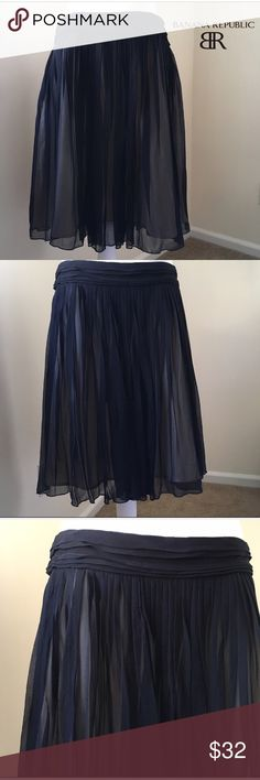 """Banana Republic Silk Chiffon Pleat Skirt 8 Petite Banana Republic Silk Chiffon Full Mini Skirt 8 Petite  Gorgeous Banana Republic Black Silk Chiffon Full Mini Skirt. Size 8P. In excellent pre-owned condition! Approx. Measurements: 17.25"""" across waist, 22"""" long. Cream Lining under black silk chiffon. 🎀Search my closet for your size 🎀BUNDLE and SAVE! 🎀REASONABLE offers WELCOME 🎀NO TRADES NO HOLDS 🎀Thank you for stopping by!❤️ Banana Republic Skirts Mini"""