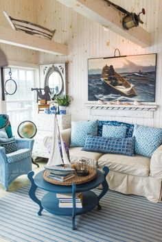 Beach Cottage Living Room Idea Beautiful Rustic Maine Seaside Cottage Interiors In 2020 Cottage Style Living Room, Beach Cottage Style, Coastal Living Rooms, Beach Cottage Decor, Interior Design Living Room, Living Room Decor, Coastal Cottage, Coastal Style, Coastal Interior