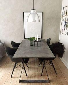 DIY spisebord – se hvordan på min IG: Mille Hartmann – Home Decor Room Interior, Interior Design Living Room, Diy Esstisch, Diy Dining Table, Dining Chairs, Dining Room, Home And Living, Home Remodeling, Home Accessories