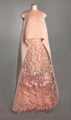 Balenciaga evening ensemble, 1967 From the Musee Galliera via Absolutely Paris