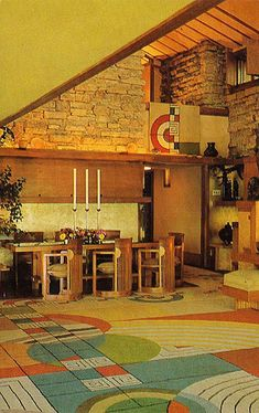 Frank Lloyd Wright...just look at the carpet...OMG it's simply DIVINE!