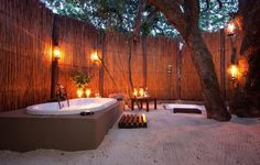 17 open-air rooms that you want to lounge in right now // This beach #bathroom.