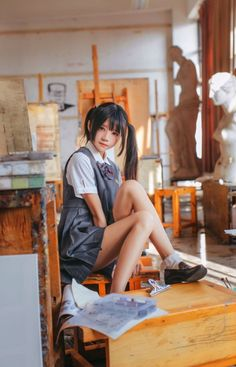 No matter how tight your schedule is, always make the time to ask her how she is or how her day was. School Girl Japan, School Girl Outfit, Japan Girl, Cute Asian Girls, Beautiful Asian Girls, Cute Girls, Cosplay Lindo, Cute Cosplay, Tsuyu Cosplay