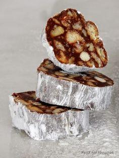 Το σαλάμι σοκολάτας διαφέρει από το μωσαϊκό ή τον κορμό. Δεν είναι το ίδιο πράγμα αν και πολλοί νομίζουν το αντίθετο.