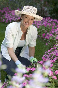 Most Beautiful Flowers, Beautiful Gardens, Bible Love, Plant Markers, Garden Markers, Autumn Garden, Love Notes, Spiritual Inspiration, Christian Life