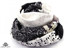 Loop Schal schwarz weiß - Mit den Loopschals der #Lieblingsmanufaktur kannst Du ganz einfach und unkompliziert Dein Kleid aufpeppen...