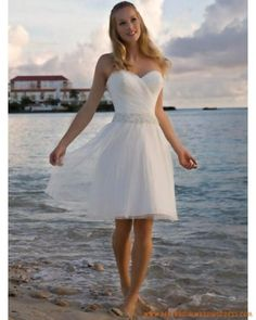 Sweetheart neckline beach wedding dress