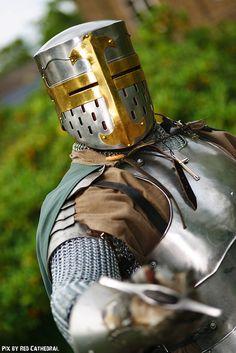 Elfia Arcen | Elfia / Elf Fantasy Fair 2010 kasteeltuinen Ar… | Flickr Fantasy Blade, Fantasy Armor, Medieval Fantasy, Ancient Armor, Christian Warrior, Elves Fantasy, Renaissance Era, Knight Armor, Chivalry