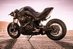 'Bull Gold' Yamaha MT-01 Cafe Fighter - Kekedesign Artkustom - Pipeburn.com