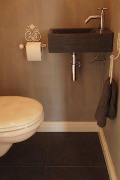 Landelijke stijl op het toilet