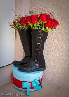kentucky derby centerpiece...boots on hatboxes